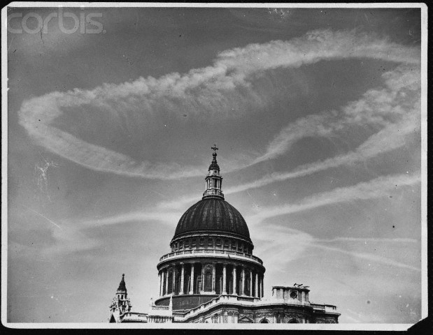 Contrails over London in 1944